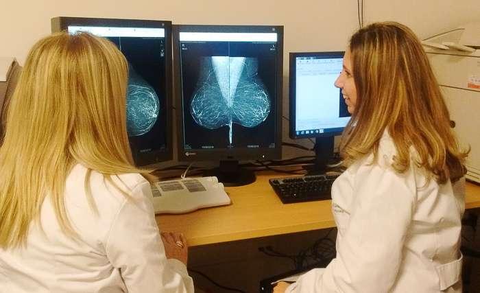 La Dra. Susana Ramírez acompañada por la técnica radióloga M. Alejandra Huerga