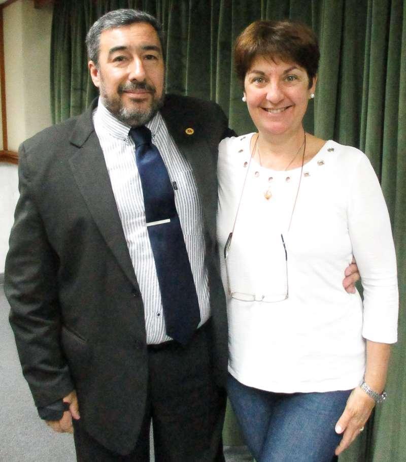 Dr. Roberto Agüero y Dra Liliana Gonzalez.