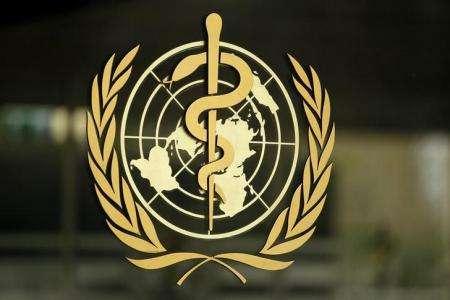 La Organización Mundial de la Salud (OMS) publicó el martes una nueva clasificación de los antibióticos que apunta a combatir la resistencia a los fármacos, en la que los medicamentos de la familia de la penicilina se recomiendan como primera línea de defensa y el resto sólo para cuando sea absolutamente necesario. En la imagen de archivo, el logo de la OMS en su sede de Ginebra. REUTERS/Pierre Albouy/Files