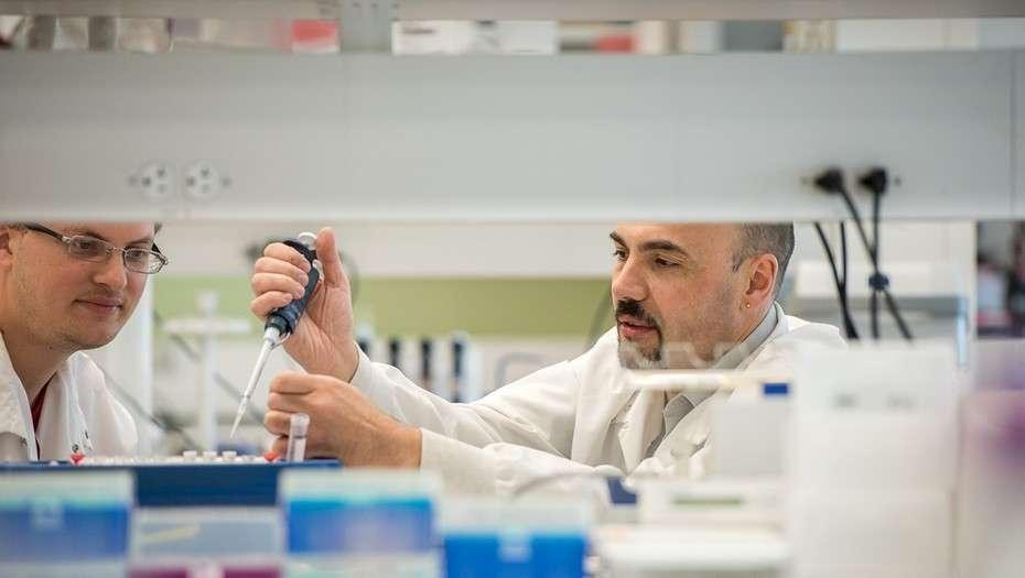 El bioquímico Marcelo Coba, recibido en la UBA en 1997, lidera un grupo de trabajo de la Universidad de Southern California.
