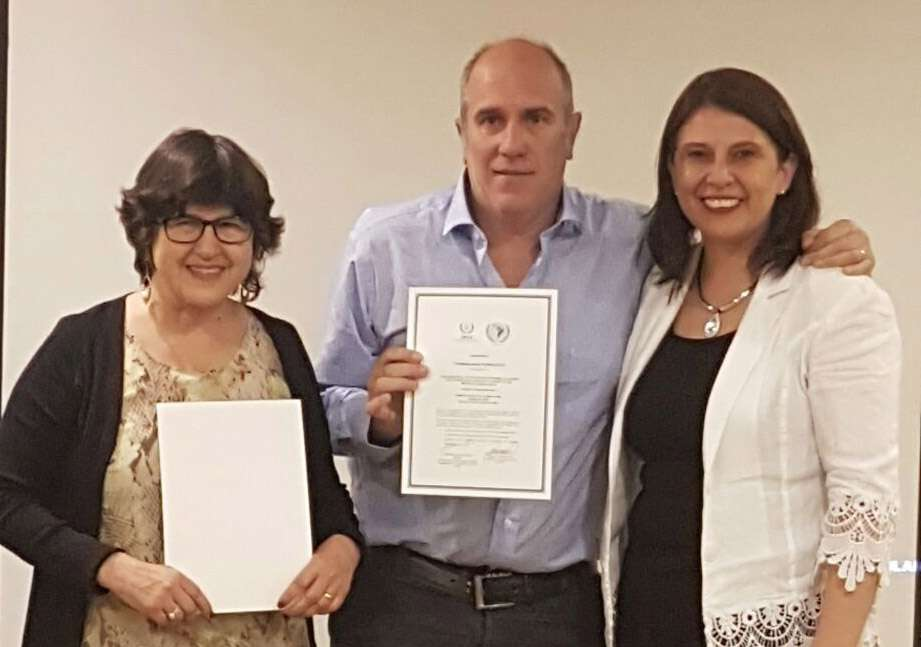 Dra Teresa Massardo, directora del curso, Dr. Christian González y la Sra. Belgica Villalobos, coordinadora local del proyecto ARCAL