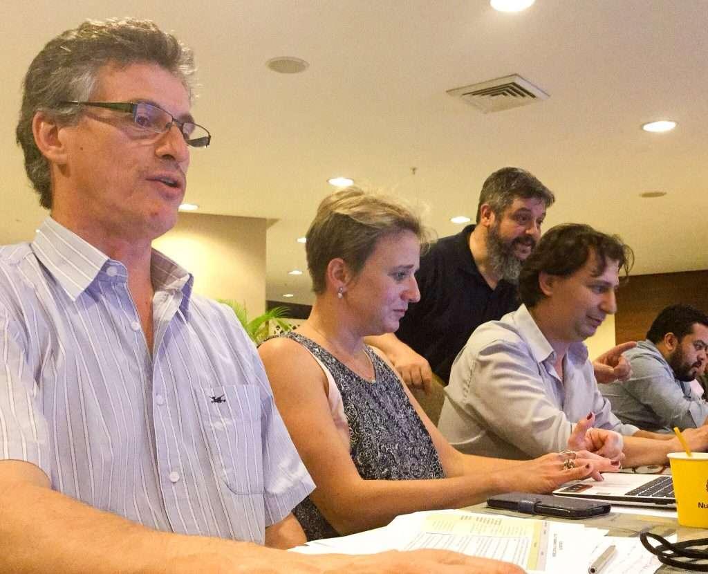 Lic. Oscar Novara, Dra. Florencia Cantargi, Lic. Adrián Durán e Ing. Martín Marchena (CNEA/FCDN, Argentina)