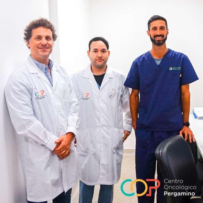 El equipo de trabajo esta conformado por el Dr. Mariano Montanari, especialista en diagnóstico por imágenes, el Técnico radiólogo Diego Decima y contamos con el asesoramiento del Lic. Maximiliano Ianonne, Coordinador de Técnicos de la Fundación Centro Diagnóstico Nuclear (FCDN) de Buenos Aires.
