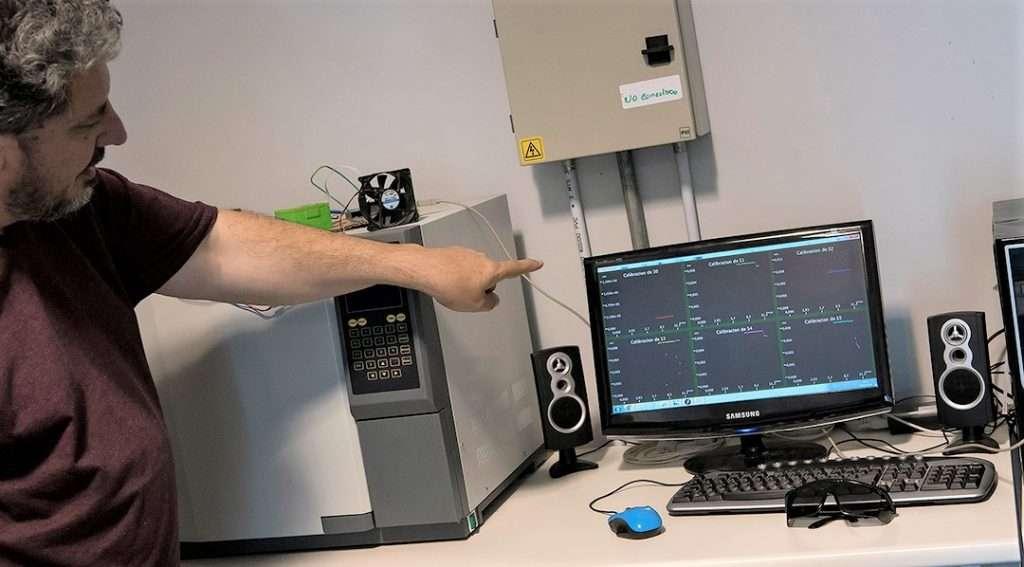 El desarrollo de la nariz electrónica, bautizada e-Pnose, tomó impulso en el año 2009, cuando obtuvo un Proyecto de Investigación y Desarrollo (PID) de la Agencia del MINCYT, bajo la dirección de Carlos Rinaldi, doctor en Química, investigador del CONICET en la CNEA y docente de la UNSAM.